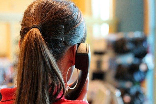 メリット③:平日24時間、いつでも電話サポート/LINEサポートが受けられる